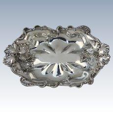 Meriden Silver Plated Quadruple Plate Art Nouveau Iris Large Serving Bowl