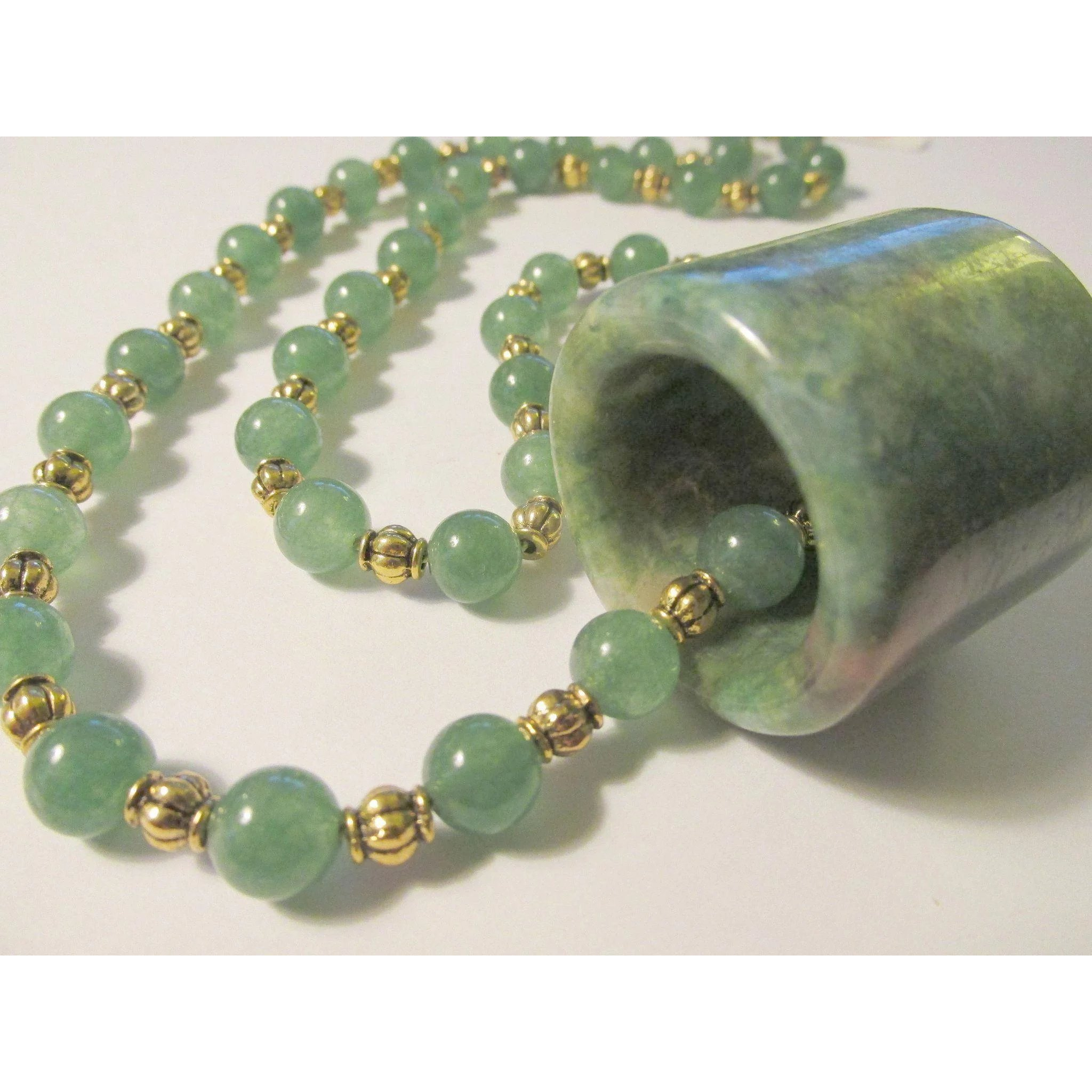 lovely green ksvhs chinese vintage necklace jewellery jade translucent hand