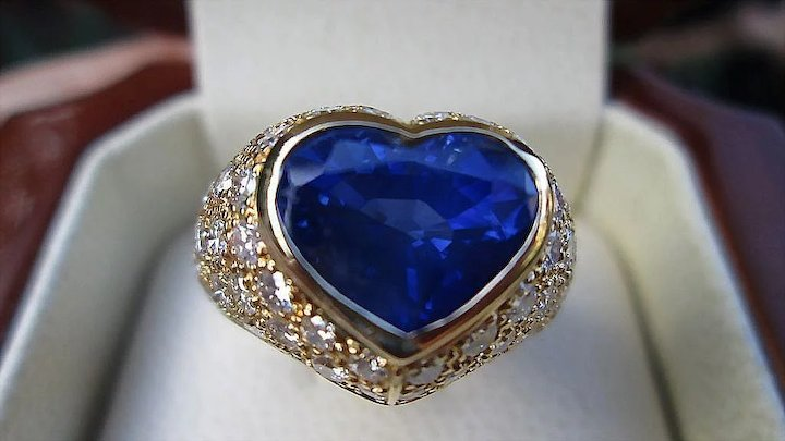 a couronne en de bleu famous blue diamond the la diamant french