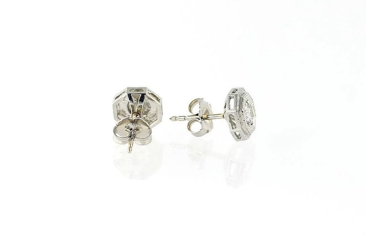 w bezel stud diamond set platinum earrings