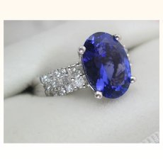 4 CT tw Beautiful Tanzanite And Diamond Ring Vintage Estate C.1980s