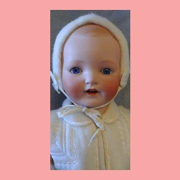 Vanta Baby Bisque Head Louis Amberg