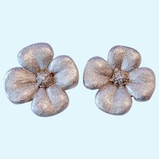Stunning 14K White Gold & Diamonds Flower Clip Earrings 14 .3 Grams