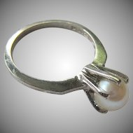 10K White Gold Cultured Pearl Ring  Size 6 Signed