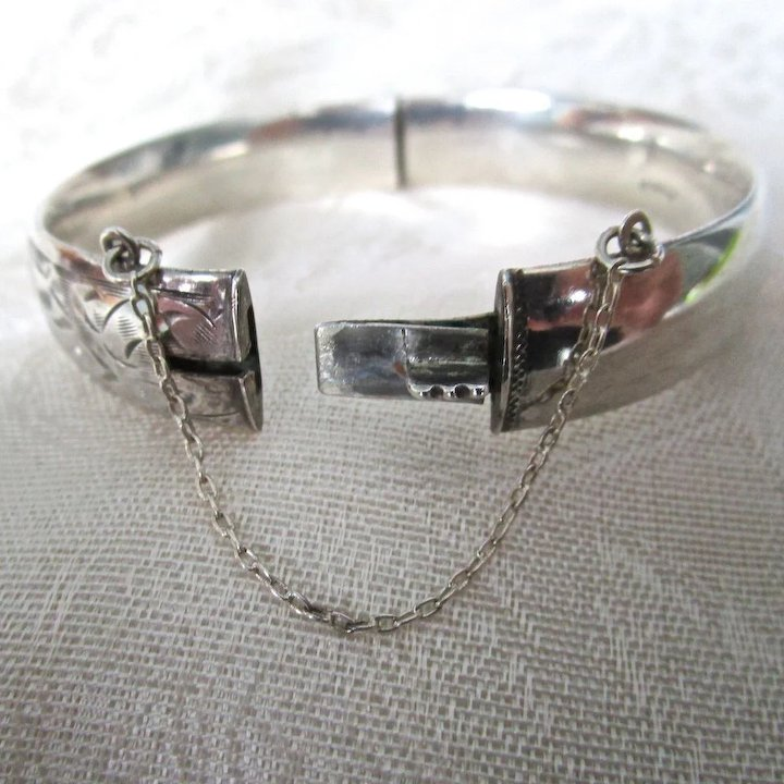silver a hinged this bangle sterling bracelets oval polished is pin jewelry bracelet bangles italian high vintage