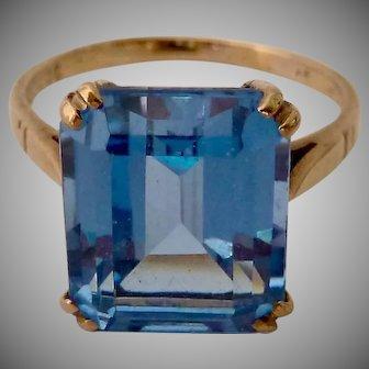 9K 9Ct Gold Blue Spinel Ring Large Step-Cut Gemstone