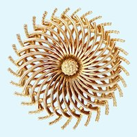 Vintage Trifari Gold Tone Spiral Swirl Brooch