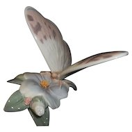 Lladro Butterfly Figurine  Refreshing Pause  #6330  Original Box