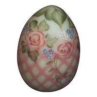 Fenton  Glass Burmese Diamond Optic Egg Signed