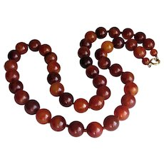 Art Deco Round Bakelite Cherry Amber Bead Necklace. 1920-1940