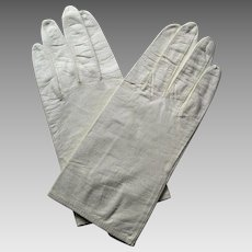 Pair Of Wrist Length Perforated Cream Leather Gloves Never Worn -Size 7