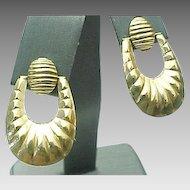 14K Yellow Gold Pierced Scalloped Dangle Earrings