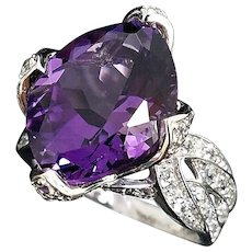 Sculptured 14-Karat White Gold 6.00 Carat Amethyst and White Topaz Ring