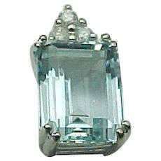 18K White Gold 1.50 Carat Emerald Cut Aqua Marine & Diamond Pendant
