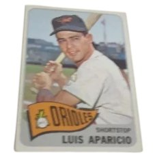 Topps Baseball Card #410 Luis Aparicio Shortstop with Orioles