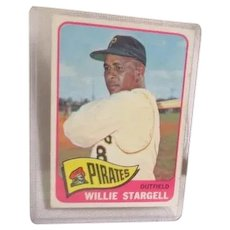 Topps Baseball Card #377 Willie Stargell Outfield Pittsburg Pirates