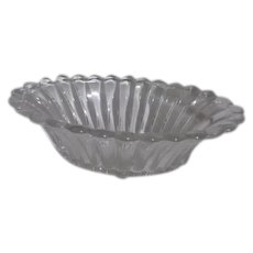 Heisey Clear Glass Oval Centerpiece Bowl