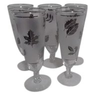 Set of 5 Silver Leaf Pattern Libbey Stemmed Pilsner Glasses