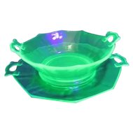Imperial Molly Green Florescent Decahedron Handled Bowl with Handled Underplate