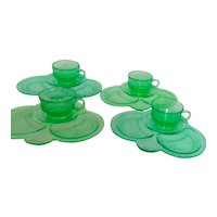 Set of 4 Green Glass Luncheon Plates with Cups