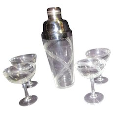 Art Deco Cocktail Shaker with 4 Goblets