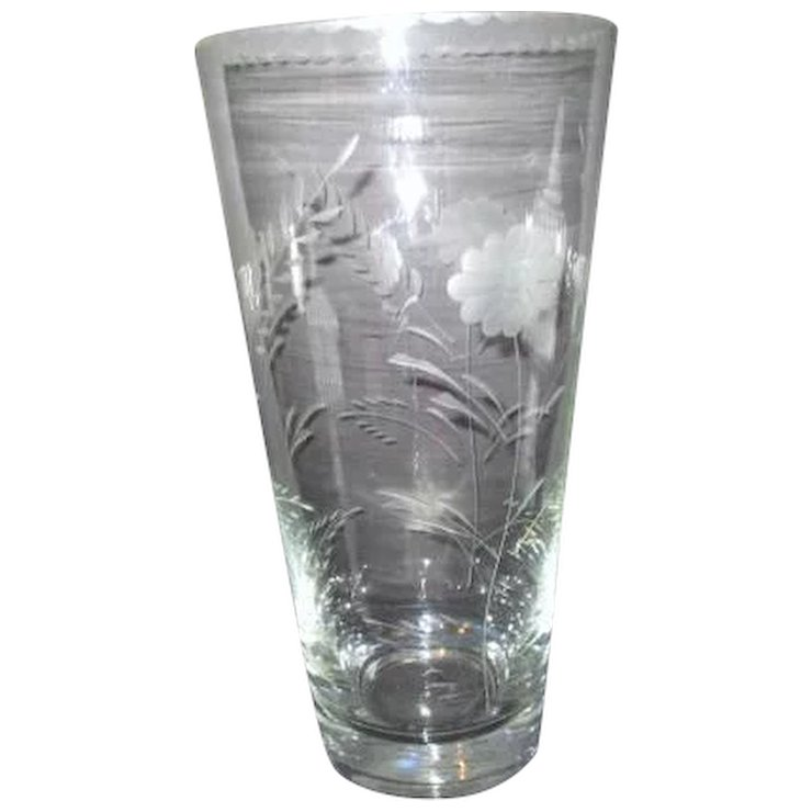 Large Crystal Clear Vase With Etched Flowers And Rim Border
