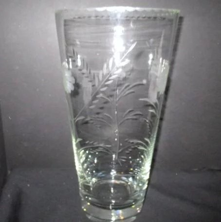 Large Crystal Clear Vase With Etched Flowers And Rim