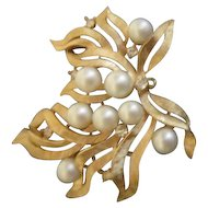 Trifari Goldtone Pearl and Rhinestone Brooch/Pendant