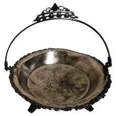 Silverplated Footed Fruit Bowl Basket with Handle Columbia Silver Co, Quadruple