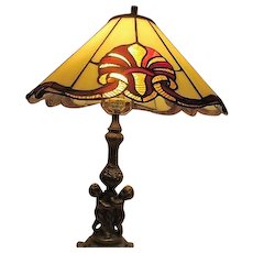 Lamp with Goldtone Metal Base  with Cherubs
