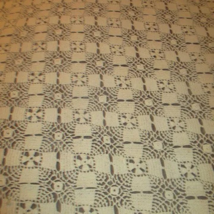 Large Hand Crocheted Table Cloth Bedspread