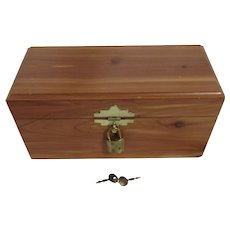 Small Cedar Wood Keepsake Box