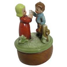 Ceramic Music Box Figurines Boy and Girl Pastoral