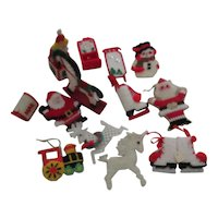 Set of 12 Unbreakable Yarn on Mesh Christmas Tree Decorations (I)
