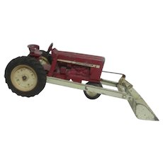 ETRC International Toy Tractor with Scoop