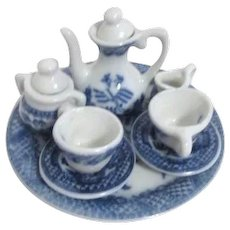10 Piece Miniature Blue Willow Tea Set on Tray