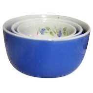 Set of 3 Child's Graduated Mixing Bowls by Hall