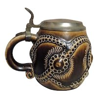 Half-Pint Beer Stein in Shades of Brown with Metal Lid