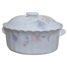 Mikasa Maxima Tremont Pattern Covered Oval Casserole