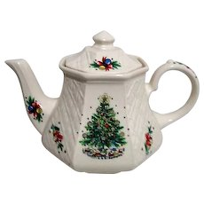 Sadler Teapot Christmas Eve Salem