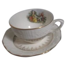 Washington Colonial Cup and Saucer Set Made by Vogue