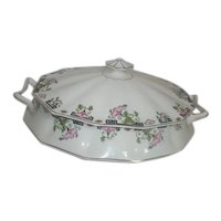 Johnson Bros. English Art Deco Pattern Covered Vegetable Bowl