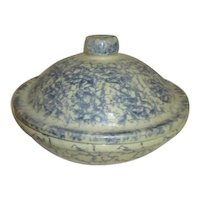 Robinson Ransbottom Pottery Covered Pie Dish/Casserole Blue Spongeware