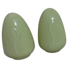 Light Green Sleek Design Salt & Pepper Shaker Set