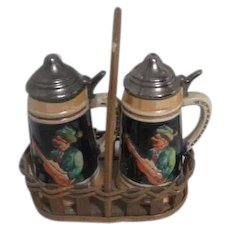 German Beer Tankard Style Salt & Pepper Shaker Set in Wooden Carry Basket