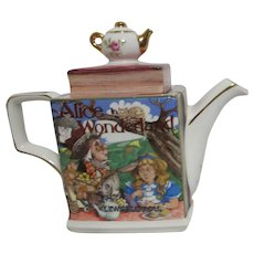 Sadler Alice in Wonderland Tea Pot
