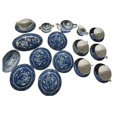 23 Piece Children's Blue Willow Dinner Dishes Set