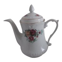 WtOCtAWEK Ceramic Coffee Pot with Roses Pattern Gold Trim