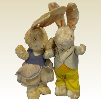 Pair Standing Bunnies