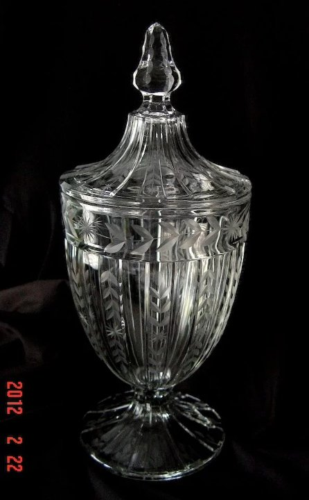 heisey recessed panel engraved candy jar no 465 ca 1917 1918